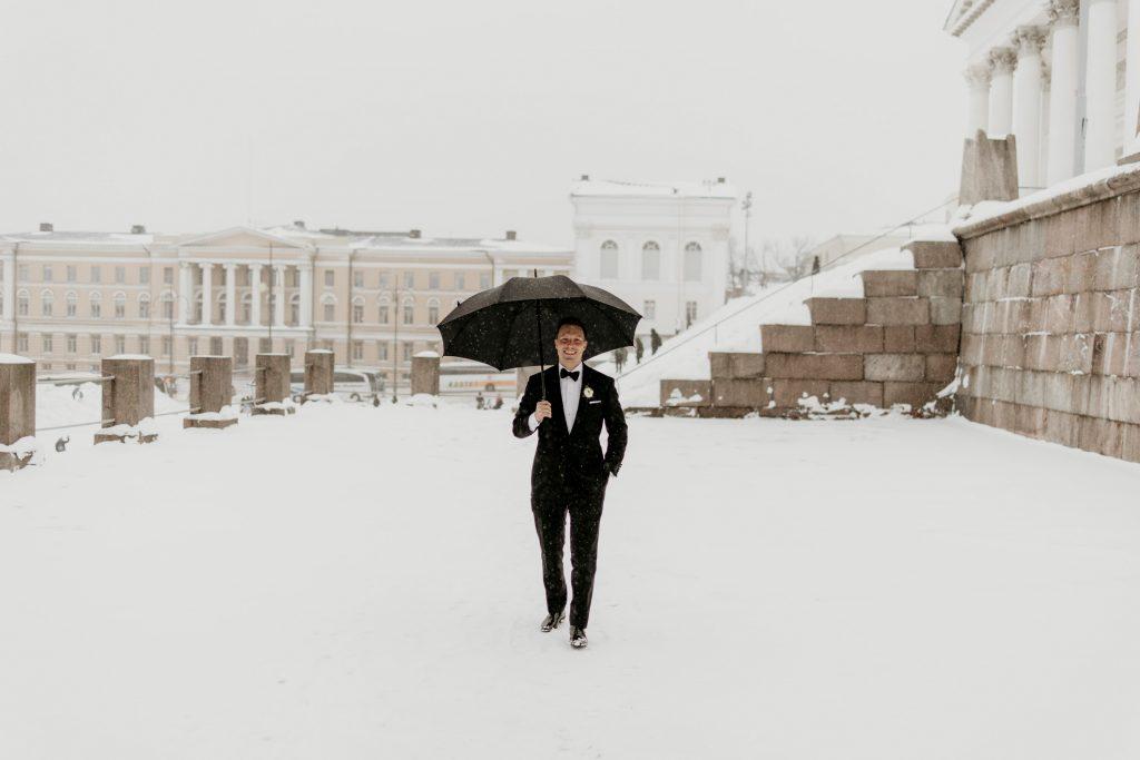 Winter wedding in Helsinki Finland at restaurant Shelter.